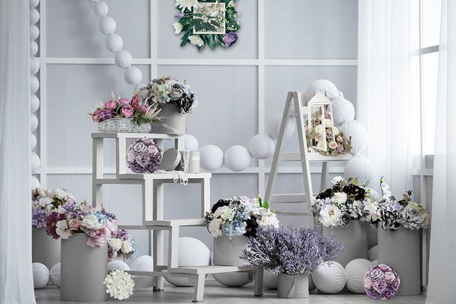 Dekoracje ze sztucznych kwiatów jak żywe