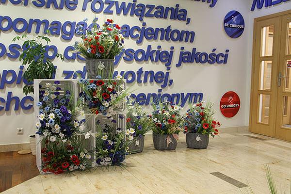 Realizacja dekoracji z importowanych produktów