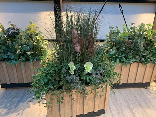 Dekoracje - importowane sztuczne kwiaty