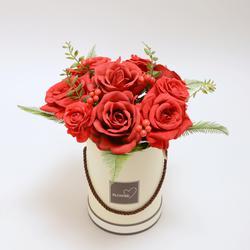 Flower box z czerwonymi różami (NN095)